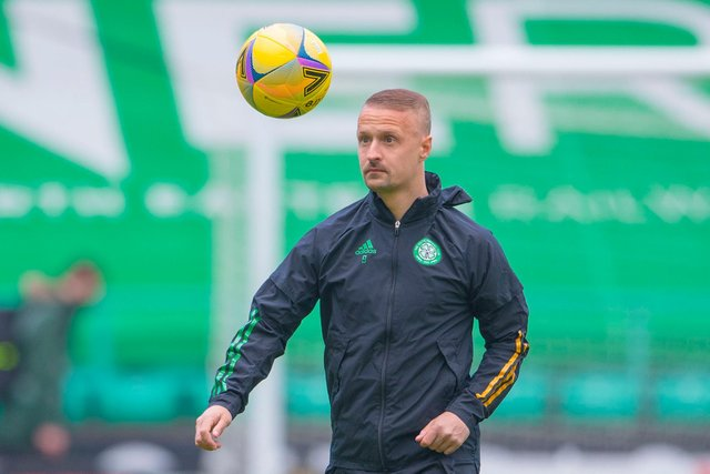 Leigh Griffiths warms up at Easter Road ahead of a Scottish Premiership match between Hibs and Celtic in May 2021