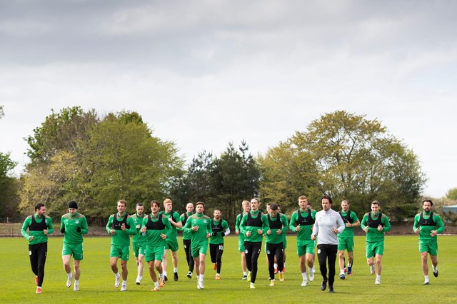 In it together, the Hibs squad warm up for Saturday's season finale. Photo by Paul Devlin / SNS Group