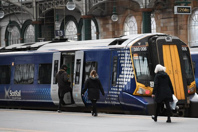 The Scottish Conservatives have pledged automatic refunds to delayed ScotRail passengers via a new smart card. Picture: John Devlin
